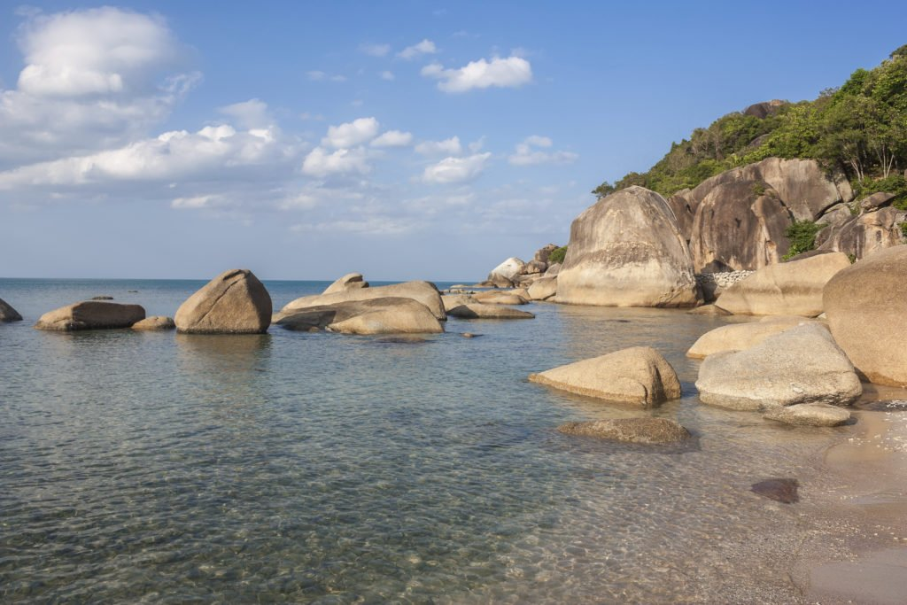 Пляж в бухте Кристал Бэй