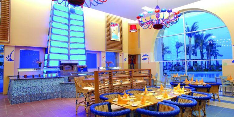 Gran- Rotana-Resort-Spa17