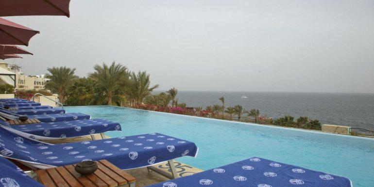 Gran- Rotana-Resort-Spa4