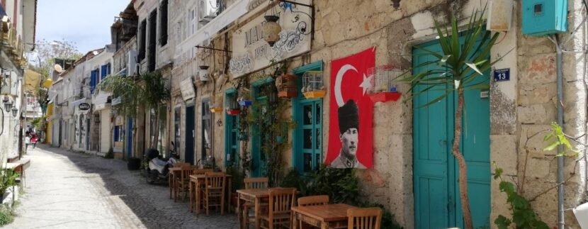 Иностранным туристам не нужно сдавать ПЦР-тесты для посещения публичных мест в Турции